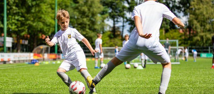 Vitesse voetbalschool bij VV Albatross te Ugchelen Apeldoorn